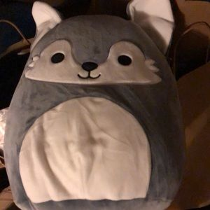 """BNWT 12"""" 🇨🇦 Willy the wolf squishmallow"""